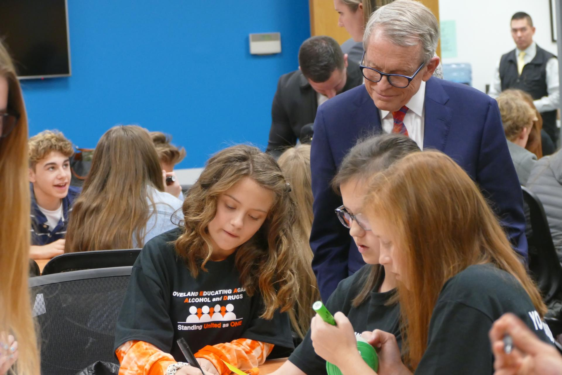DeWine and LEAAD Youth Ambassadors